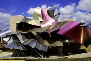Artonweb architettura strane analogie - Arquitecto bodegas marques de riscal ...